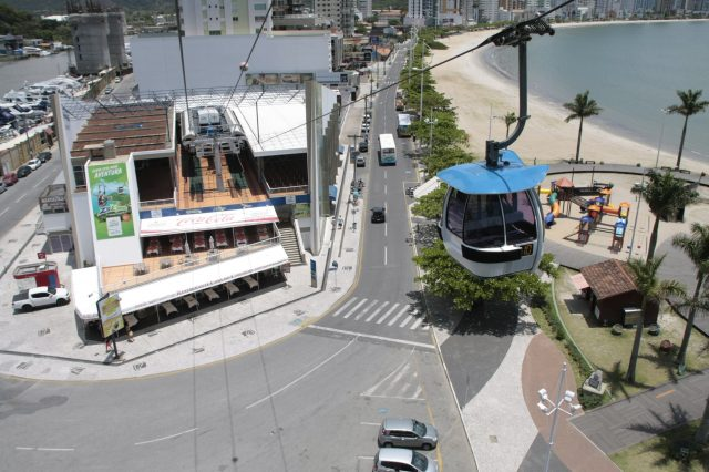 Parque Unipraias: Vista com bondinho