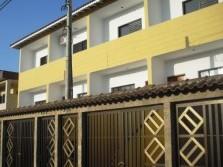 Sobrado Tríplex novo com 03 suites 03 vagas garagem - Praia Grande-SP